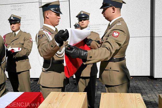 Uroczysty pogrzeb odnalezionych i zidentyfikowanych ofiar terroru komunistycznego