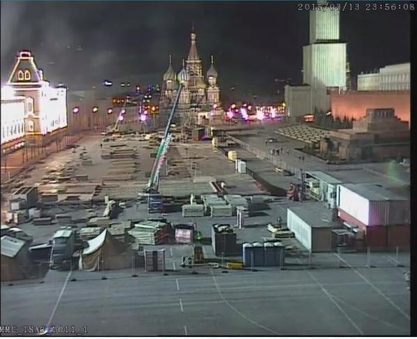 Od piątku wyobraźnię tysięcy ludzi rozpalają stawiane nieopodal Kremla trybuny