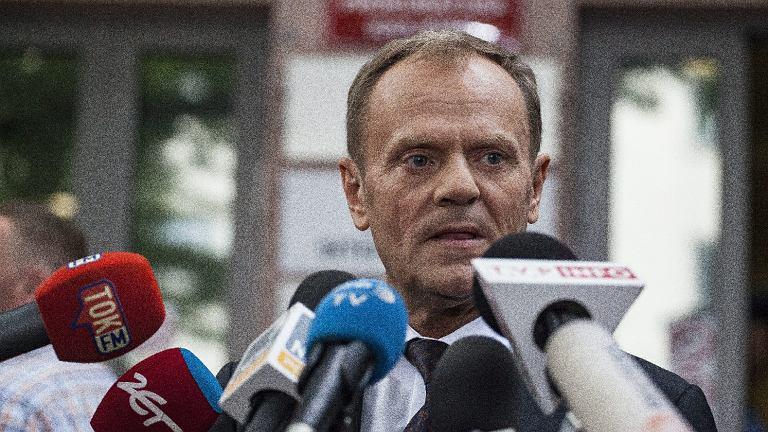 Donald Tusk po wyjściu z prokuratury