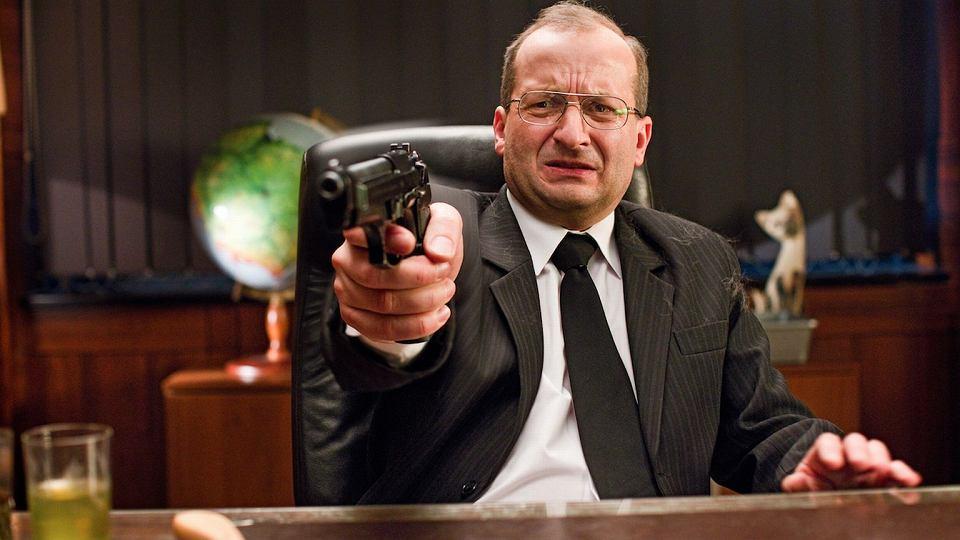 Robert Górski na planie serialu ''Ucho prezesa'' (fot. mat. prasowe Showmaxa)
