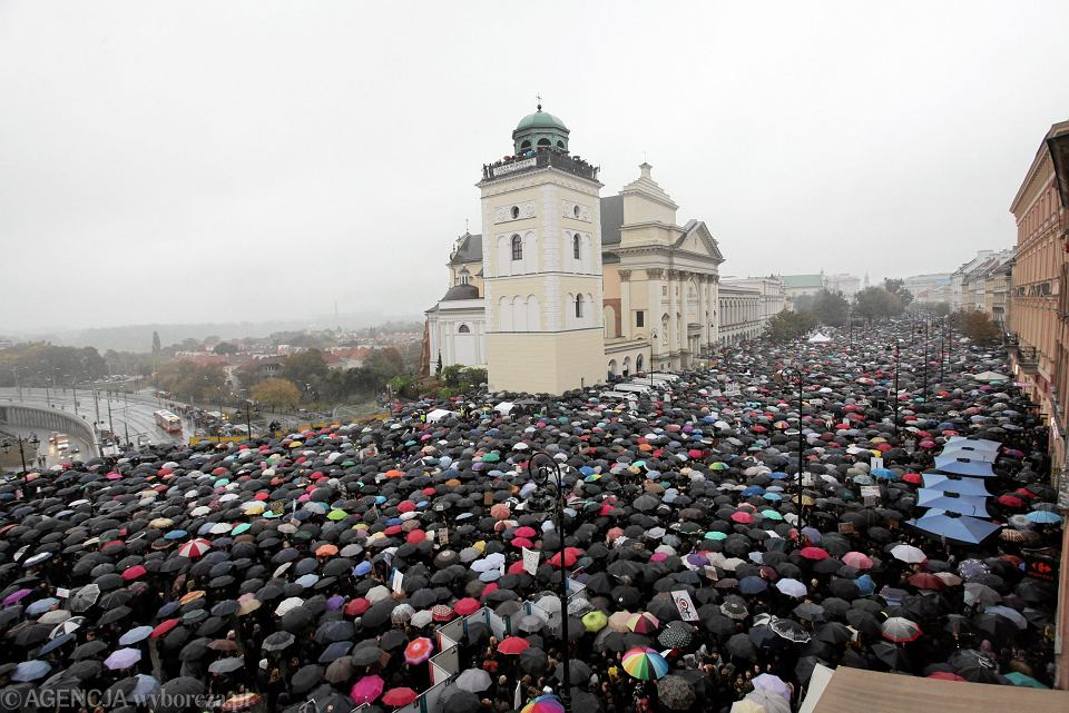 Czarny Protest w Warszawie.