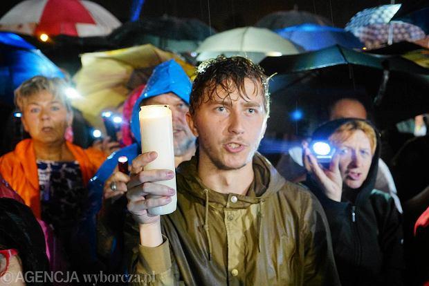Protest w Poznaniu po raz ósmy. 24 lipca poznaniacy domagali się weta w ulewnym deszczu