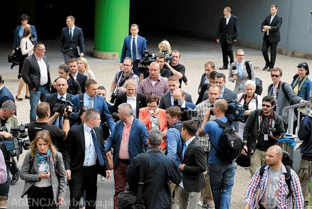Premier Ewa Kopacz w drodze do Ronda Sztuki w Katowicach