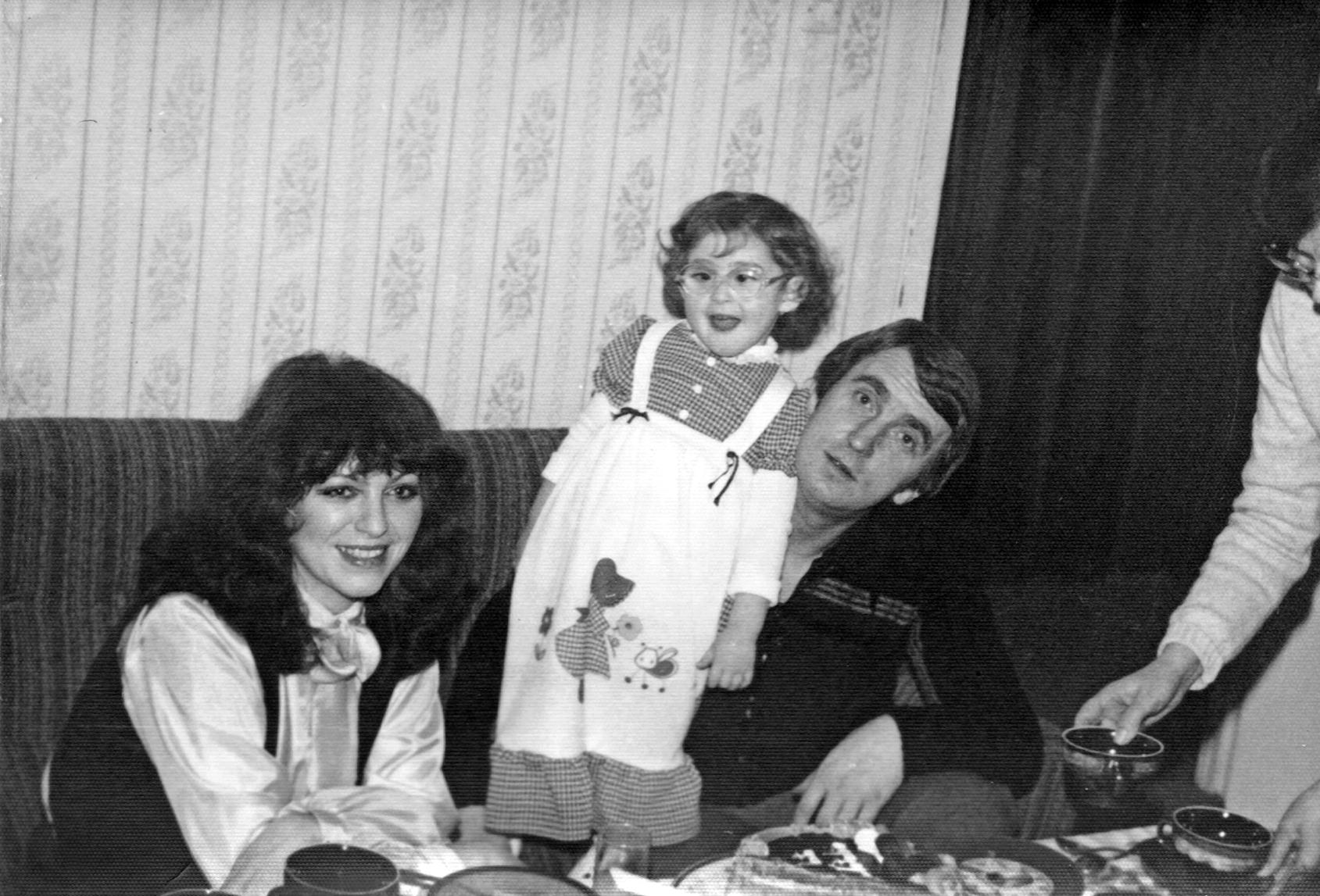 Anna Jantar i Jarosław Kukulski mieszkali w małym mieszkaniu w blokowisku, co i tak było osiągnięciem obrotnego Jarka. Wcześniej gnieździli się w kawalerce. Marzyli o maluchu. (fot. prywatne archiwum Natalii Kukulskiej)