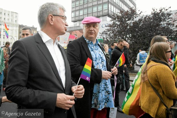 Prezydent Jacek Jaśkowiak i dyrektor artystyczny Teatru Polskiego Maciej Nowak podczas Marszu Równości. Poznań, 26 września 2015 r.