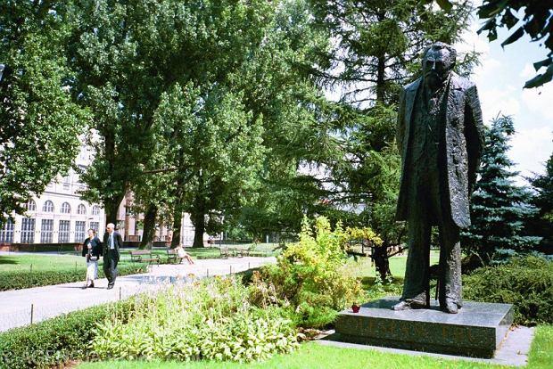 Pomnik Bolesława Prusa w Warszawie