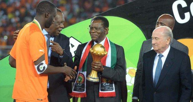 Teodoro Obiang, jeden  z najkrwawszych dyktatorów  na świecie, gościł w  Gwinei Równikowej ostatni Puchar Narodów Afryki. Issa Hayatou, szef afrykańskiego futbolu, za głos na