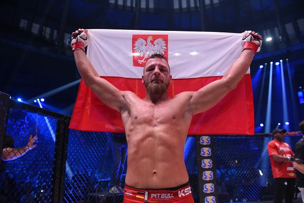 Polak znokautowany w walce UFC. Potężny kopniak przesądził [WIDEO]