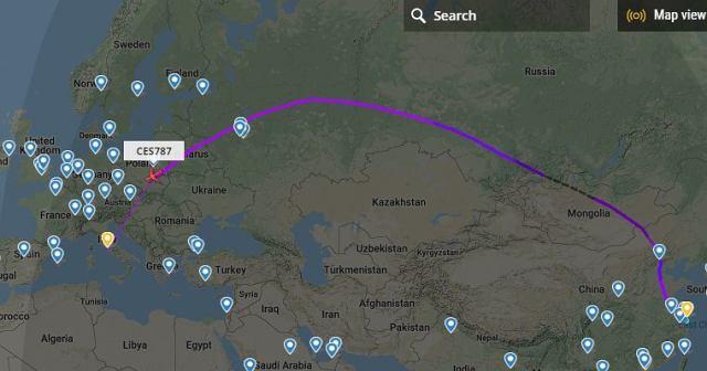 Koronawirus. Samolot z Chin leci do Rzymu. Na pokładzie eksperci i sprzęt.