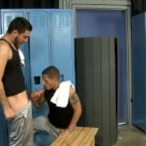 JUAN CARLOS SPOTS HUGE FUCKING COCK IN LOCKER ROOM