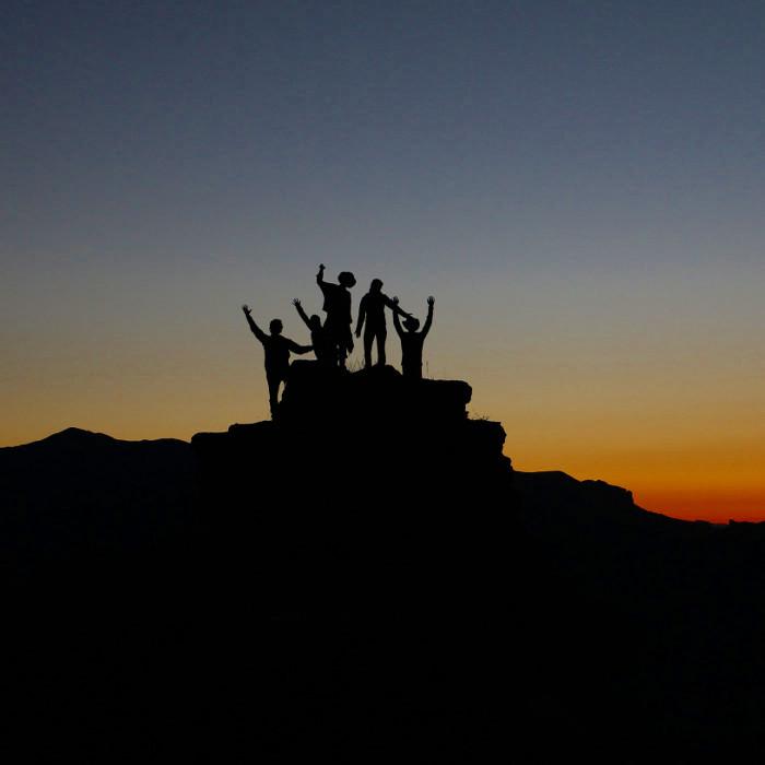 Mała wielkość zespołu nie powstrzyma nas przed zdobyciem szczytu.