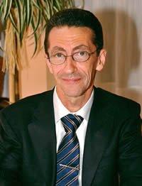 Dr. Marcos Vélez