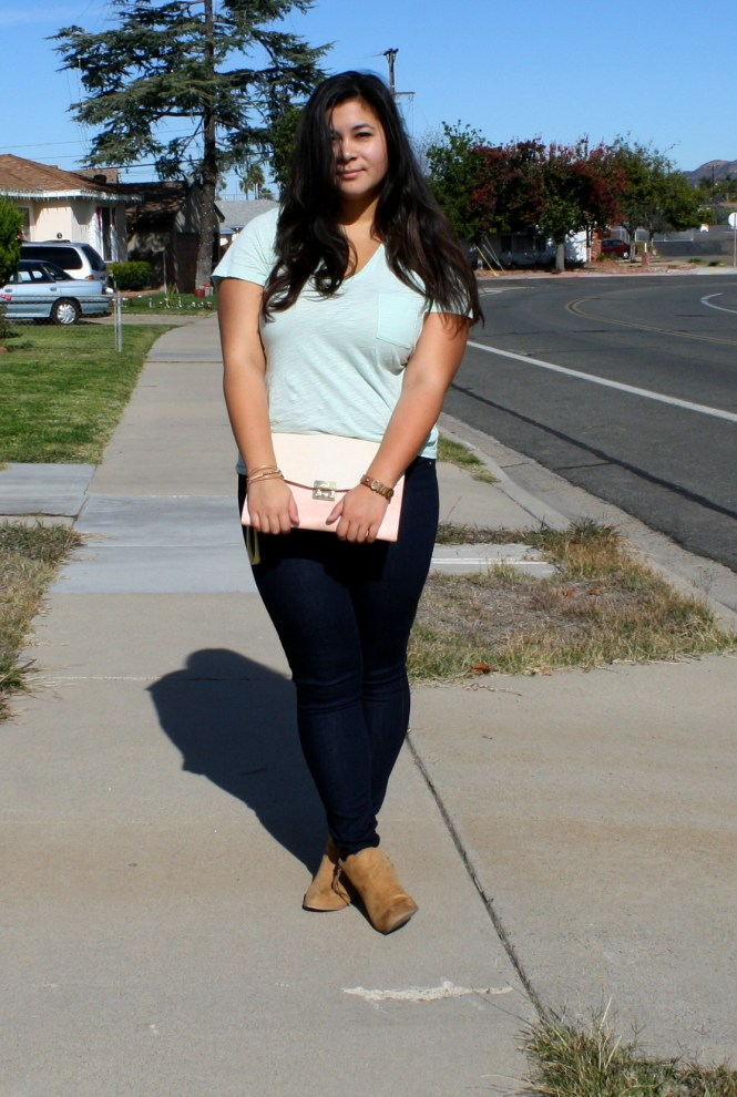 curvy tucked t-shirt jeans