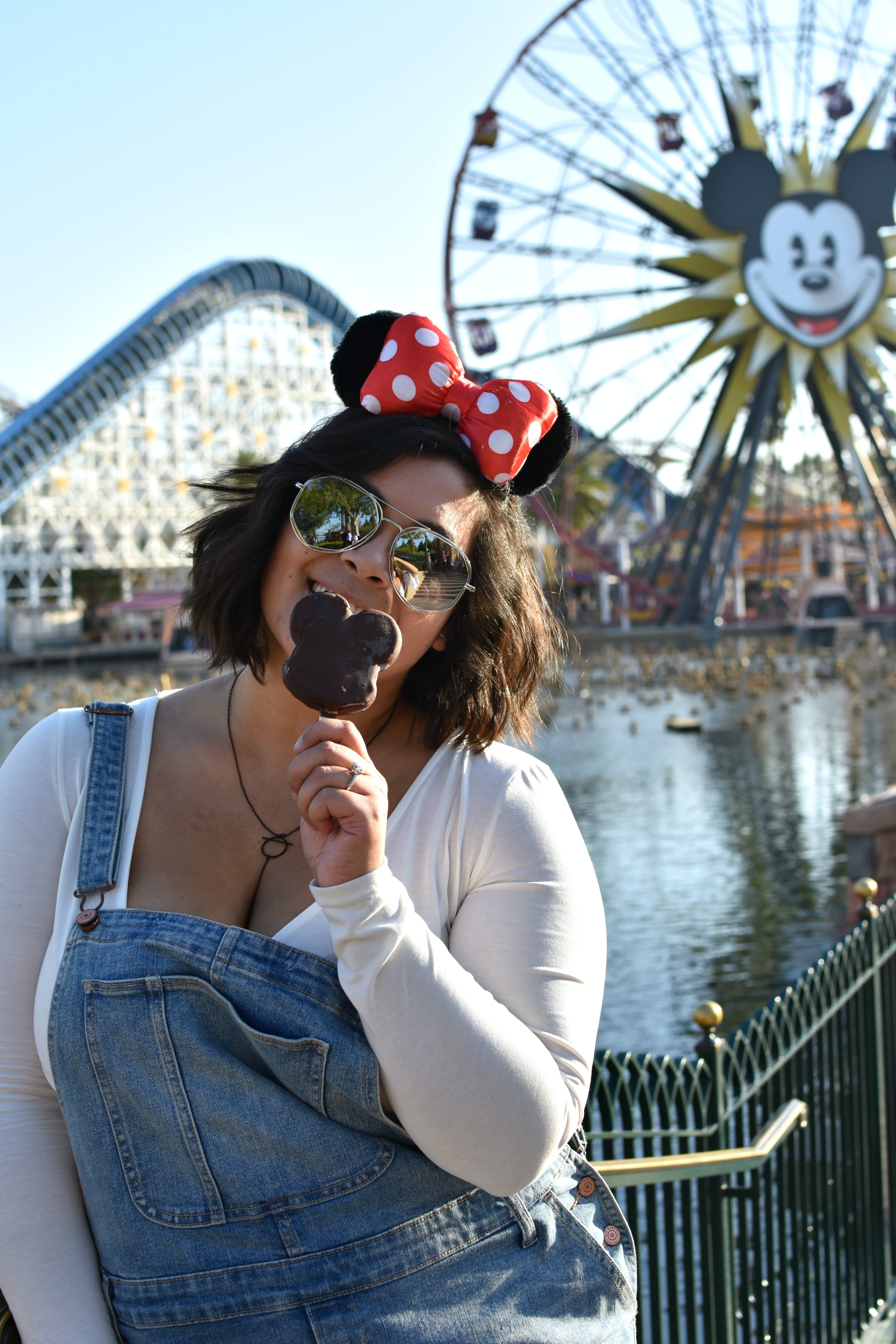 e97eaf07ee1 Plus Size Guide to a Picking What to Wear to Disneyland - biancakarina