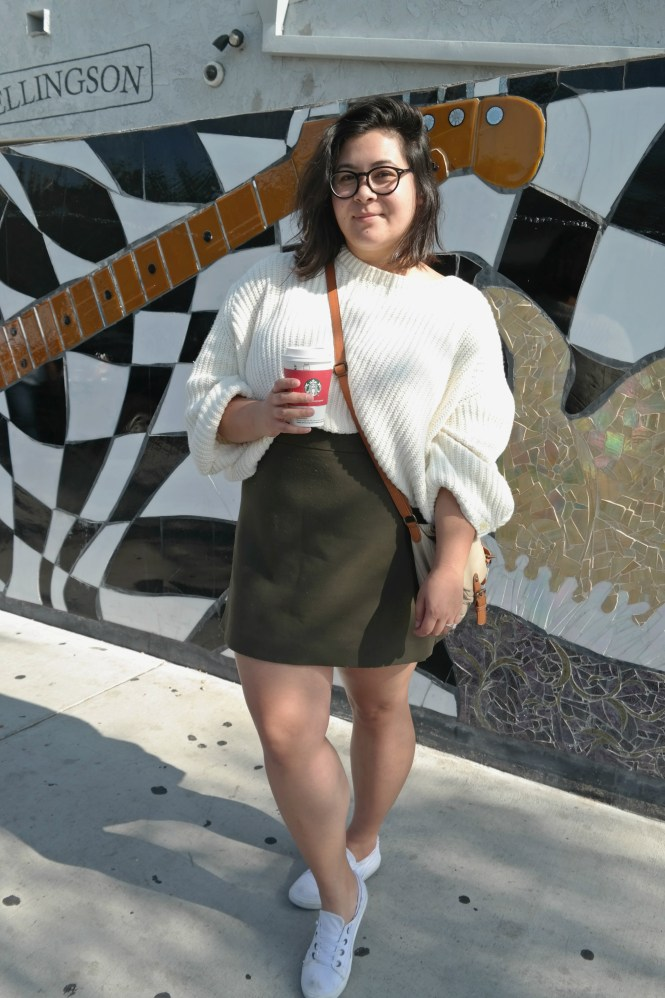 Cropped knit mini skirt outfit