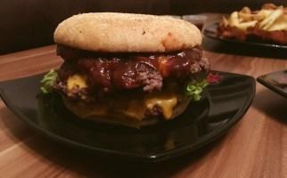 Meat in Bun Lieferheld Lieferdienst - Burger