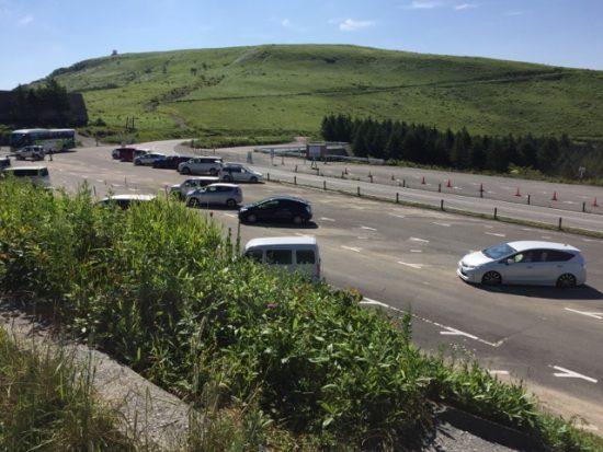 ニッコウキスゲ車山肩駐車場混雑状況画像2018年7月24日朝8時過ぎ