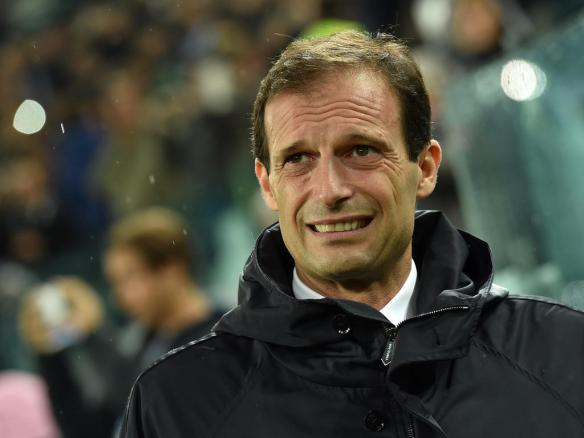 TURIN, ITALY - NOVEMBER 04:  Juventus head coach Massimiliano Allegri looks on during the UEFA Champions League group A match between Juventus and Olympiacos FC at Juventus Arena on November 4, 2014 in Turin, Italy.  (Photo by Valerio Pennicino/Getty Images)
