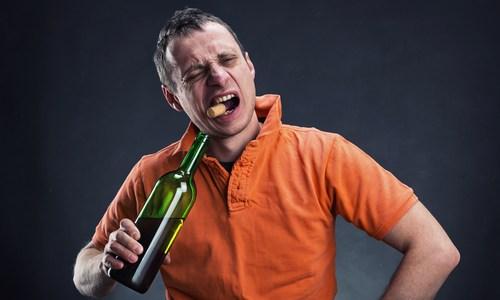 aprire-vino-senza-cavatappi