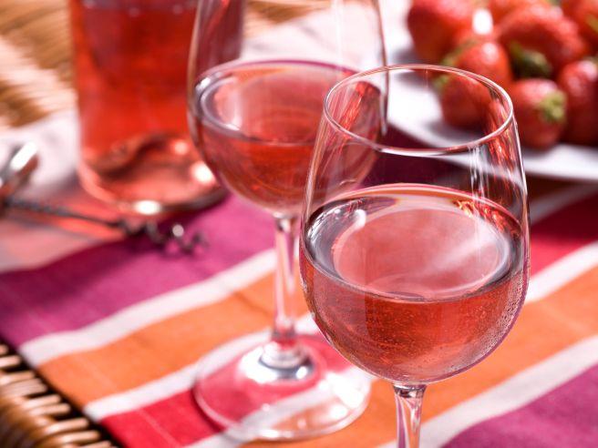 vino-curiosità-fragole
