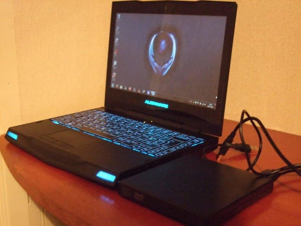 Biareview com - Alienware M11x R3