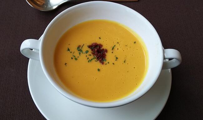 かぼちゃとにんじん、長芋使ったスープ
