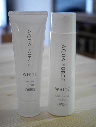 アクアフォースホワイトのローションと洗顔料