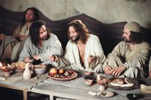 Jesus äter med sina lärjungar