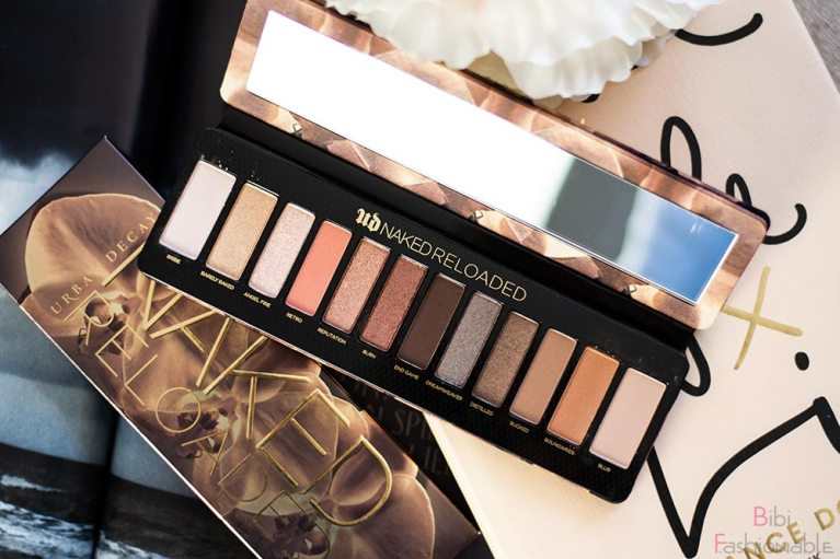 Urban-Decay-Naked-Reloaded-offen-Flatlay