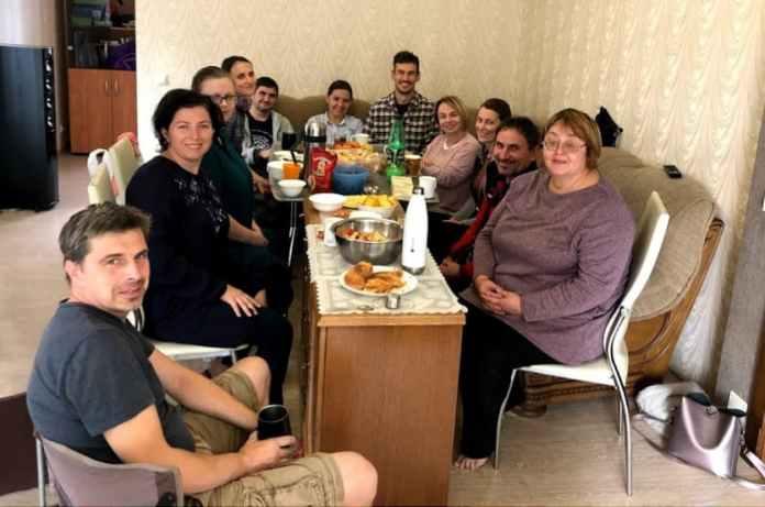 Группа равной поддержки для приёмных родителей