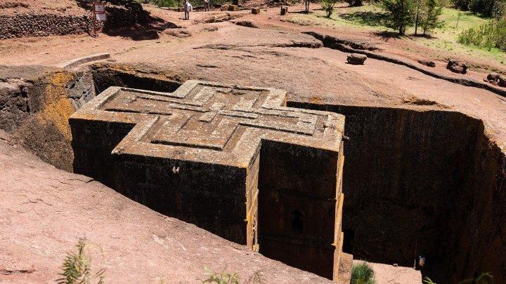 ethiopie-eglise-dans-roche