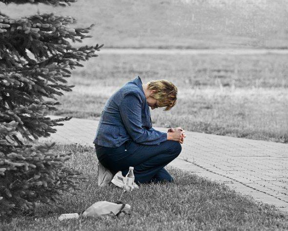 kneeling, prayer