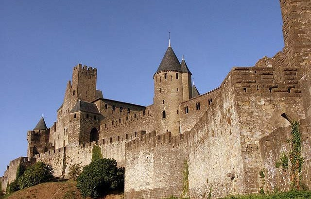 The Incredible Story Of Raymond-Roger And The Seige Of Carcassonne