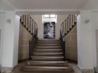 Escalier vers la salle des fêtes