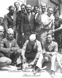 Una domenica in piazza all'osteria del Pellegrin, agosto 1937