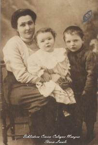 Una mamma con i suoi bambini, 1914