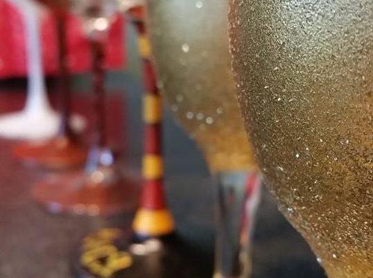 Ръчно рисувана чаша за вино!