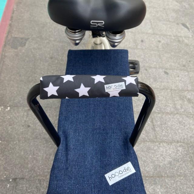 Respaldo para niños en la bici – 'vaqueros' azul oscuro – Hooodie