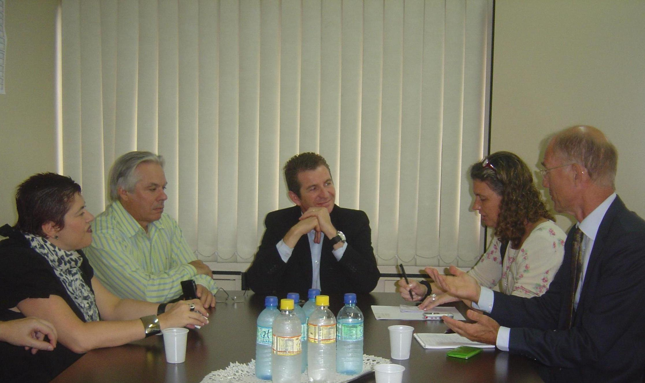 Roelof Wittink in a meeting with the former mayor of Florianópolis. Roelof Wittink numa reunião com o vice-prefeito de Florianópolis. Foto/Photo: André Geraldo Soares.
