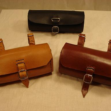 Cartera bolsa de herramientas en cuero para sillin y manillar de bicicleta antigua o clasica de varillas