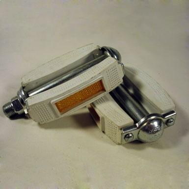 Pedal notario color blanco New Old Stock desempaquetado