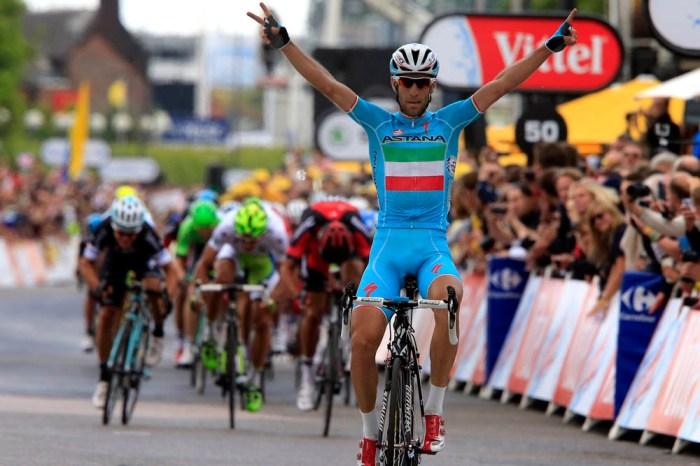 Vincenzo Nibali in maglia tricolore durante il trionfale Tour 2014
