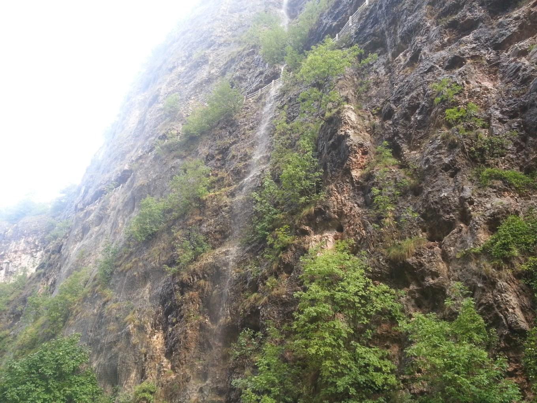 Le incredibili cascate presenti a pochi minuti dal Santuario di San Romedio (Riccardo Tempo).