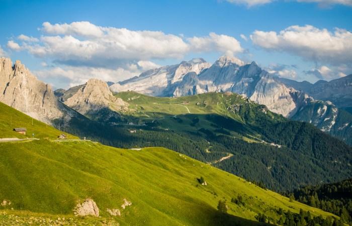 Splendido scenario in Val di Fiemme. Una meta perfetta per gli amanti delle emtb. (agriturpiasina.it)