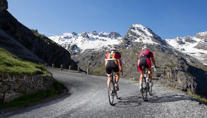 Ciclisti a Bormio (bormio.eu)