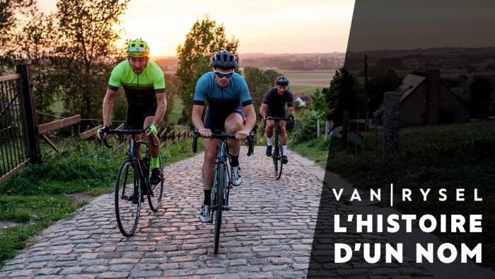 Ciclisti durante un test delle nuove Van Rysel sulle strade al confine tra Francia e Belgio (immagine da YouTube.com)