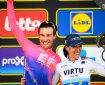 Foto di Bettiol e Bastianelli sul podio del Fiandre 2019