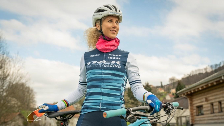 La biker svizzera Jolanda Neff, campionessa mondiale di XCO