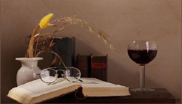 knyga-ir-vyno-taure
