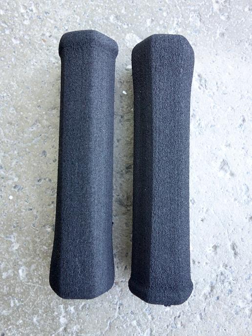 Foam mountain bike flat bar grips